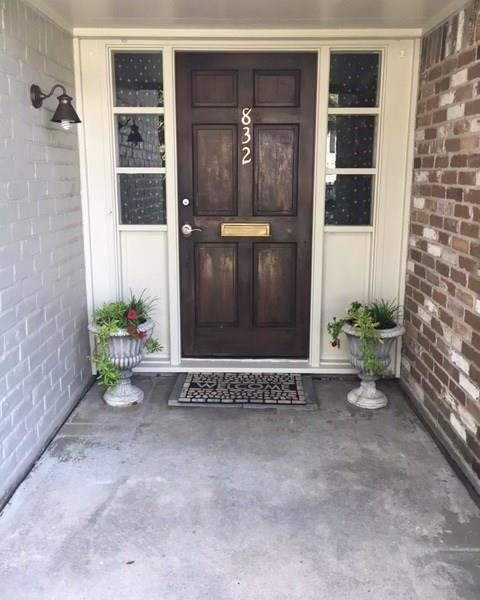 Active | 832 Wax Myrtle Lane Houston, Texas 77079 4