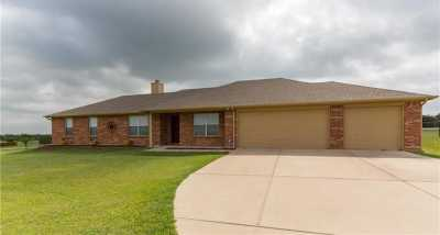 Sold Property | 166 Churchill Circle Weatherford, Texas 76085 3