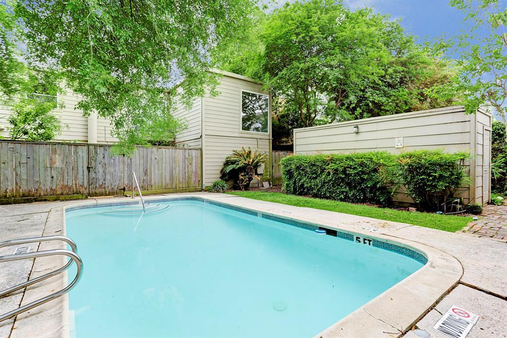 Off Market | 1520 Fairview Avenue Houston, Texas 77006 17