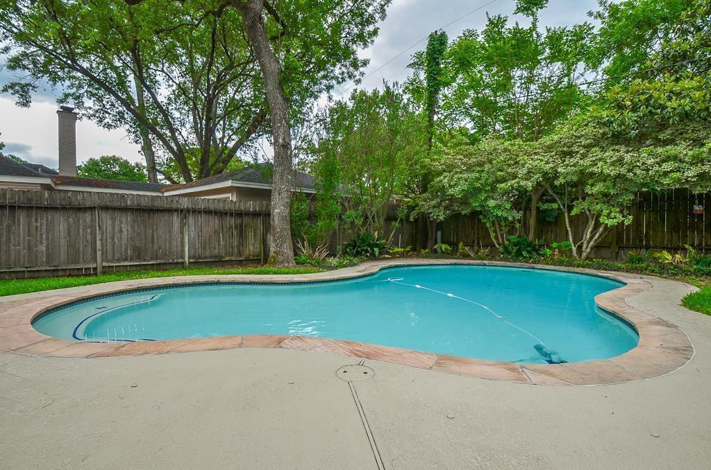 Off Market | 14523 Oak Bend  Houston, Texas 77079 5