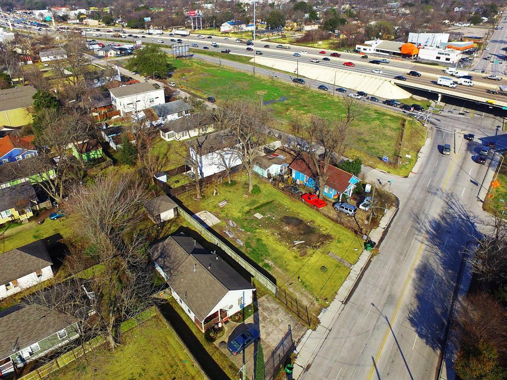 Off Market   6815 N Main Street Houston, TX 77009 0