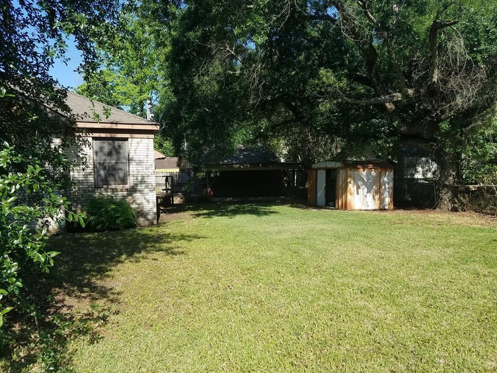 Off Market | 205 Avenue Of Oaks Street Houston, Texas 77009 3