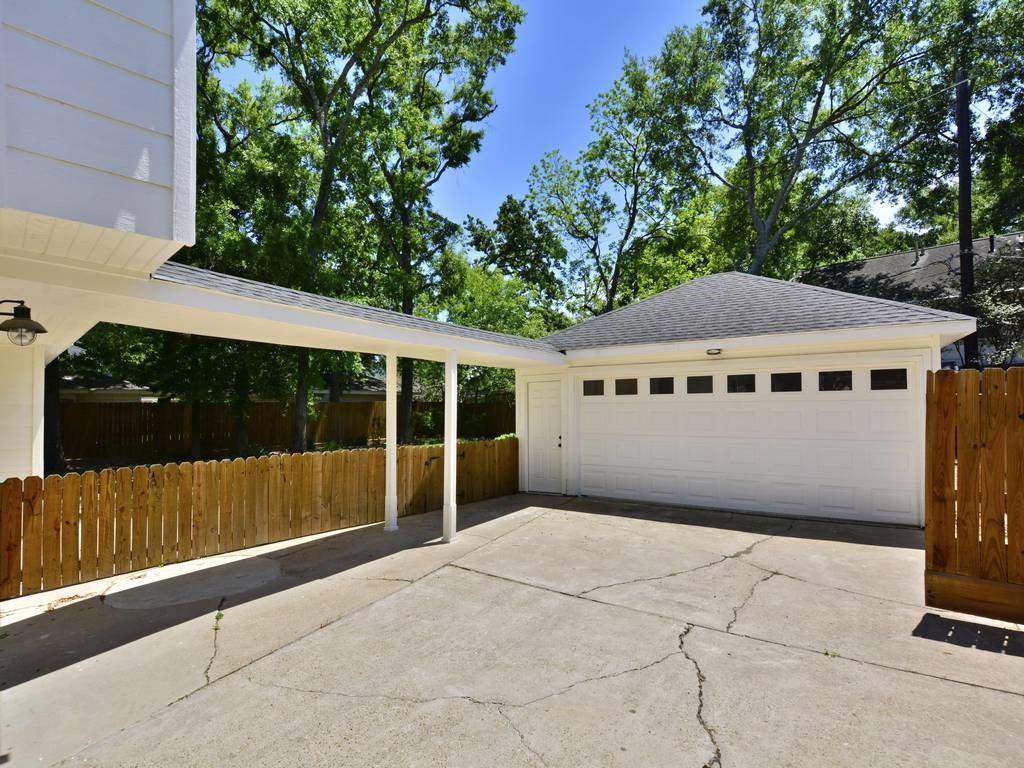 Off Market   15115 Camelback Court Houston, Texas 77079 12