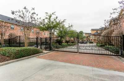 Off Market | 31 Versante Court Houston, Texas 77070 49