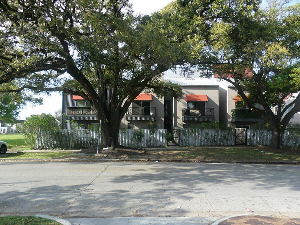 Off Market | 2501 Blodgett Street Houston, Texas 77004 7