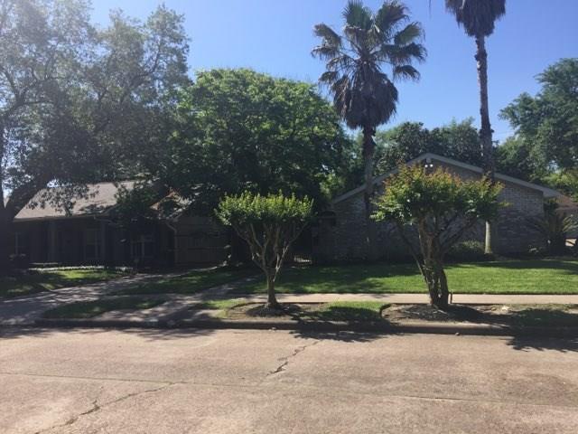 Off Market   5539 Queensloch Drive Houston, Texas 77096 2