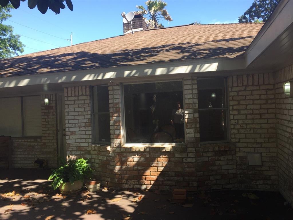 Off Market   5539 Queensloch Drive Houston, Texas 77096 18