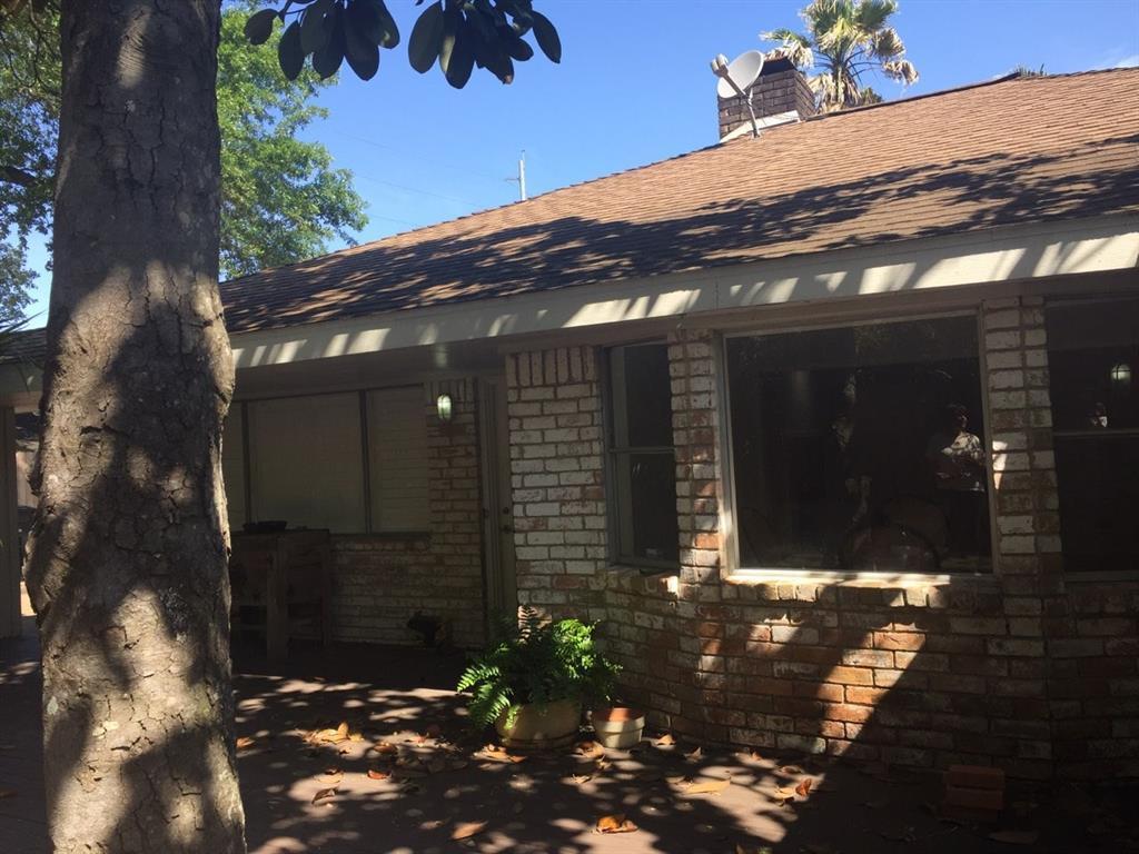 Off Market   5539 Queensloch Drive Houston, Texas 77096 24