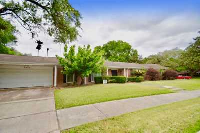 Off Market | 3820 Latma Drive Houston, Texas 77025 1