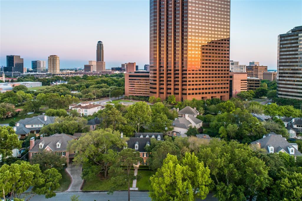 Active | 5531 Cedar Creek Drive Houston, Texas 77056 33