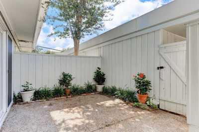 Pending   407 Bendwood Drive #38 Houston, Texas 77024 21