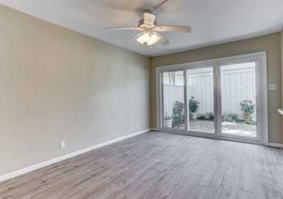 Pending   407 Bendwood Drive #38 Houston, Texas 77024 9