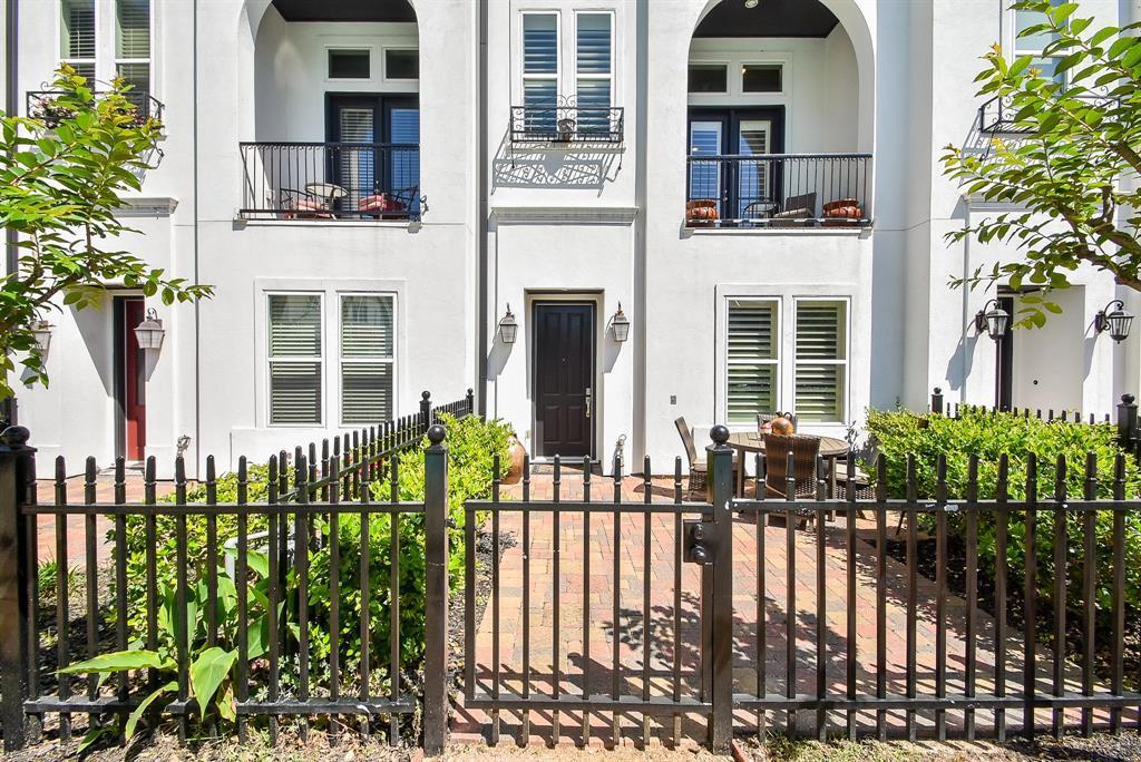 Off Market | 10925 Wrenwood Manor Houston, Texas 77043 1
