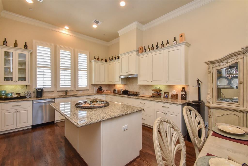 Off Market | 10925 Wrenwood Manor Houston, Texas 77043 12