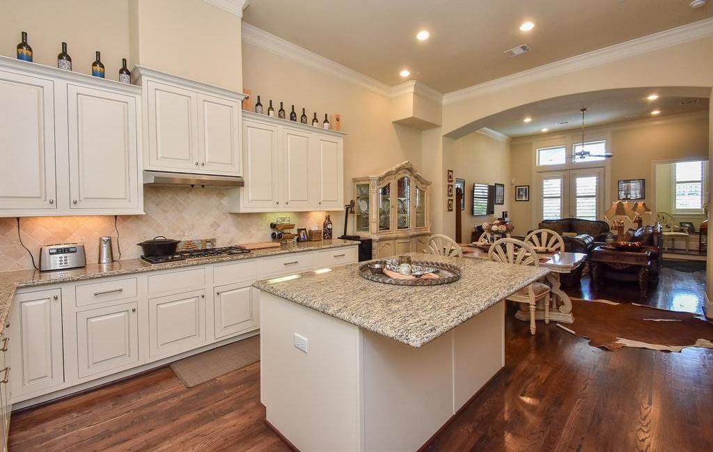 Off Market | 10925 Wrenwood Manor Houston, Texas 77043 14