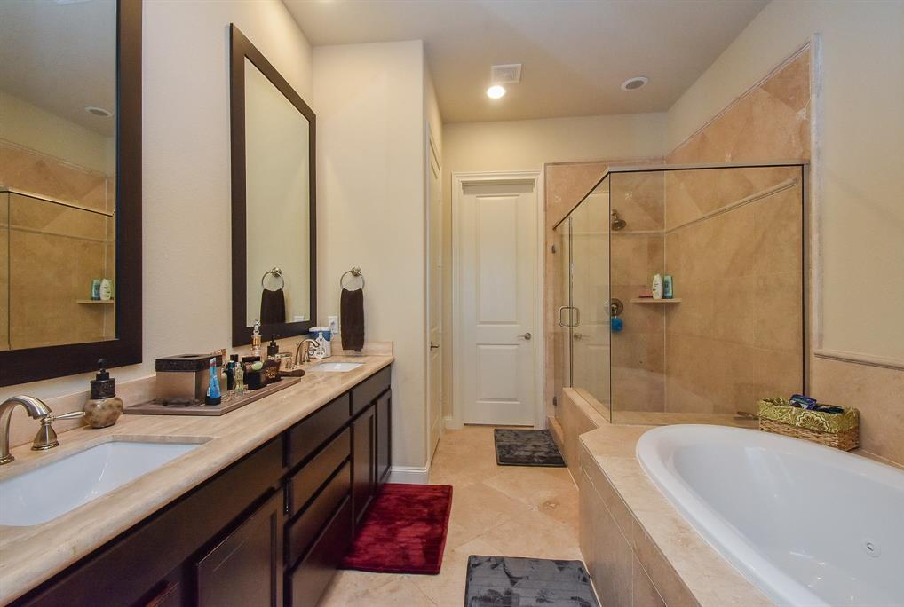 Off Market | 10925 Wrenwood Manor Houston, Texas 77043 19