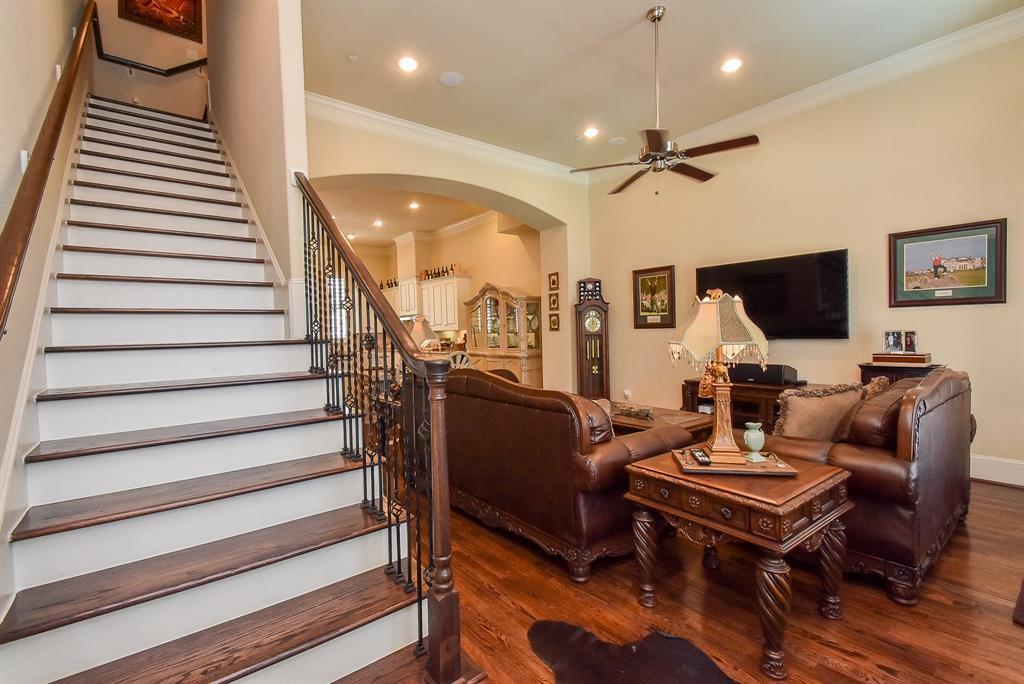 Off Market | 10925 Wrenwood Manor Houston, Texas 77043 6