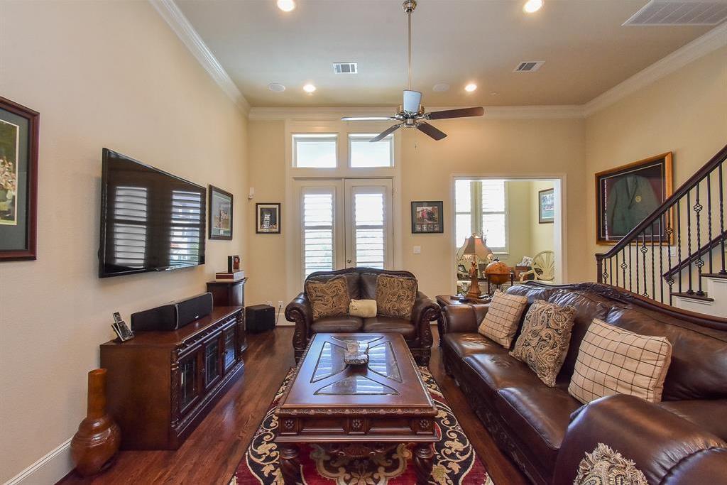 Off Market | 10925 Wrenwood Manor Houston, Texas 77043 9