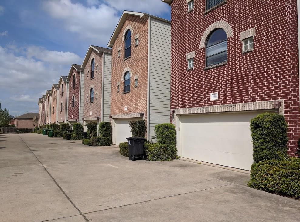 Off Market | 9830 Cynthia Ann Court Houston, Texas 77025 3