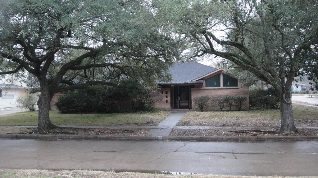 Off Market   5219 Queensloch Drive Houston, TX 77096 0