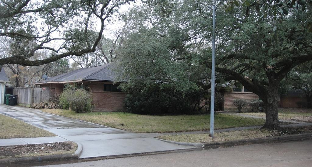 Off Market   5219 Queensloch Drive Houston, TX 77096 1