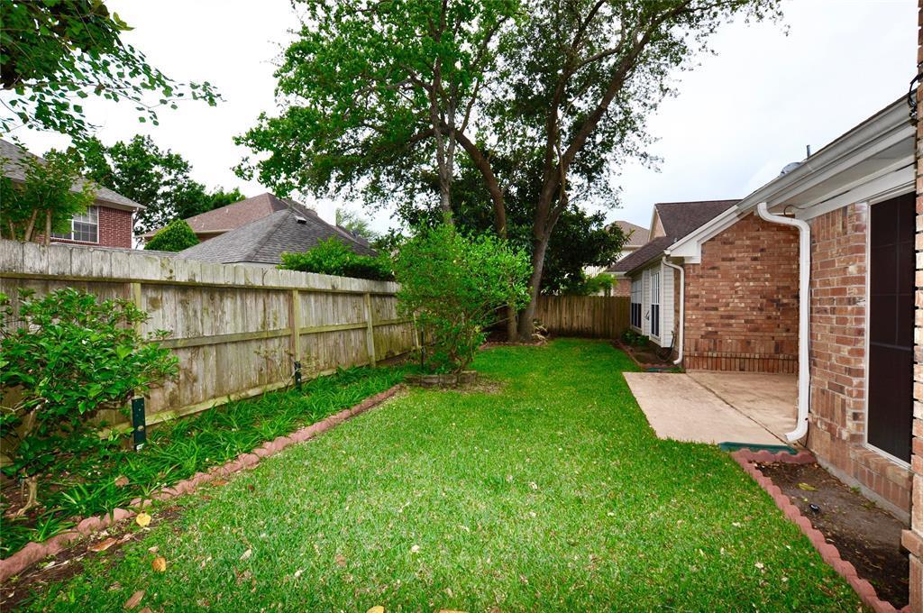 Off Market   14207 Heatherhill Place Houston, Texas 77077 23
