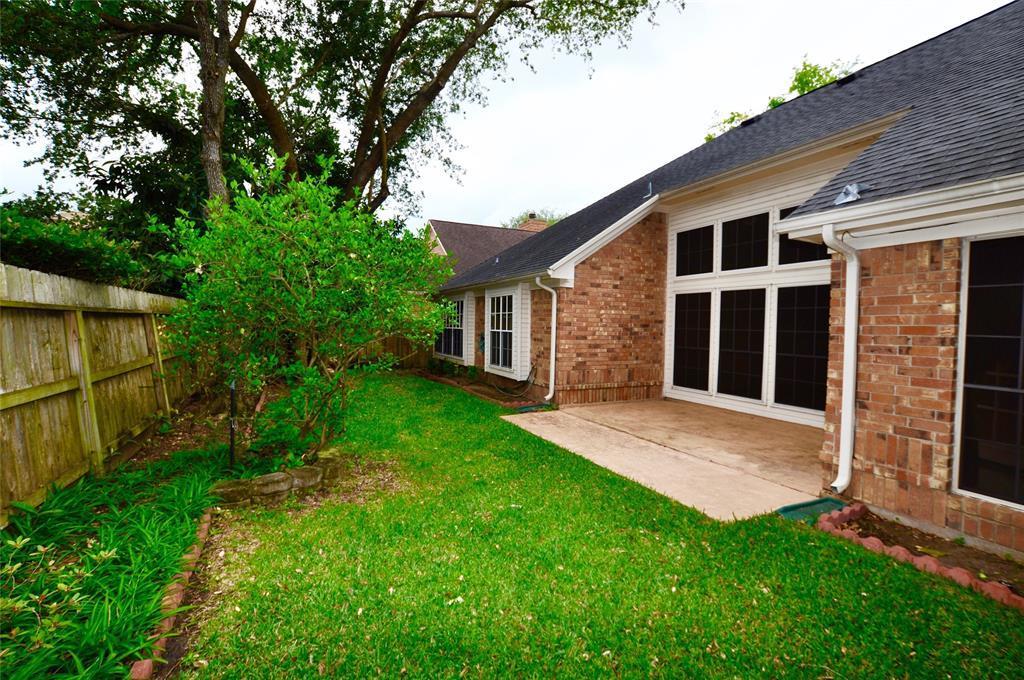 Off Market   14207 Heatherhill Place Houston, Texas 77077 24