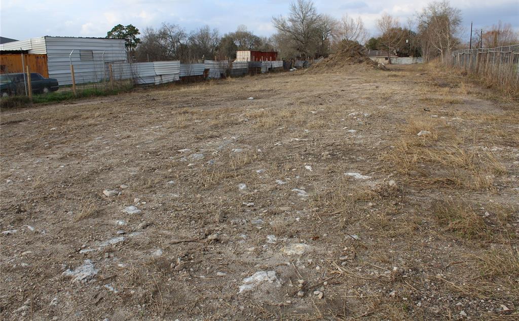 Active | 4626 W Fuqua Street Houston, TX 77045 11