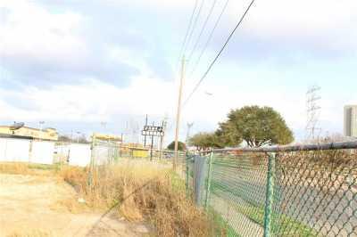 Active | 4626 W Fuqua Street Houston, Texas 77045 6