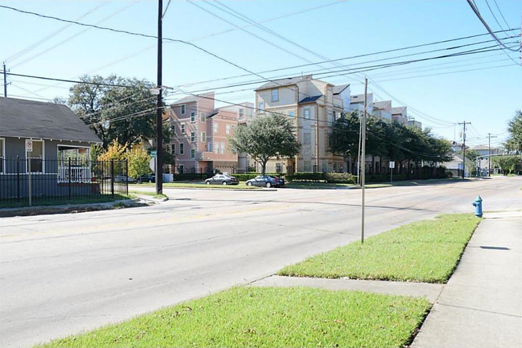 Active | 4311 Crawford Street Houston, TX 77004 5