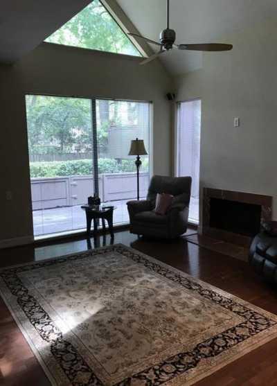 Off Market   316 Litchfield Lane Houston, Texas 77024 9