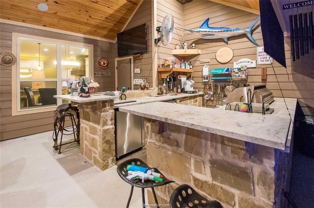 Active   4367 Quiet Waters Lane North Zulch, Texas 77872 27