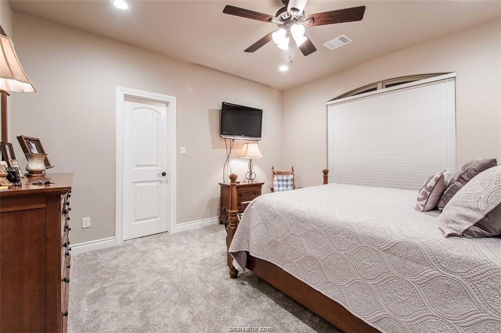Active   4367 Quiet Waters Lane North Zulch, Texas 77872 29