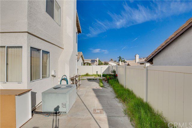 Pending | 6370 Colonial Avenue Banning, CA 92220 40