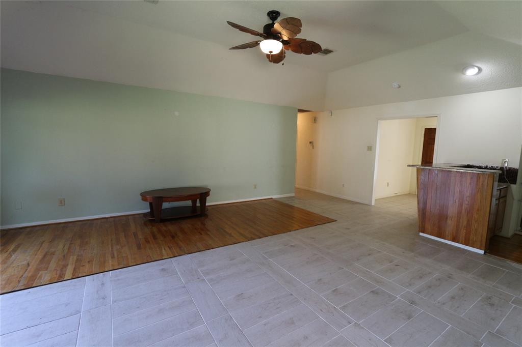 Pending | 3211 Cumberland Drive Missouri City, Texas 77459 9