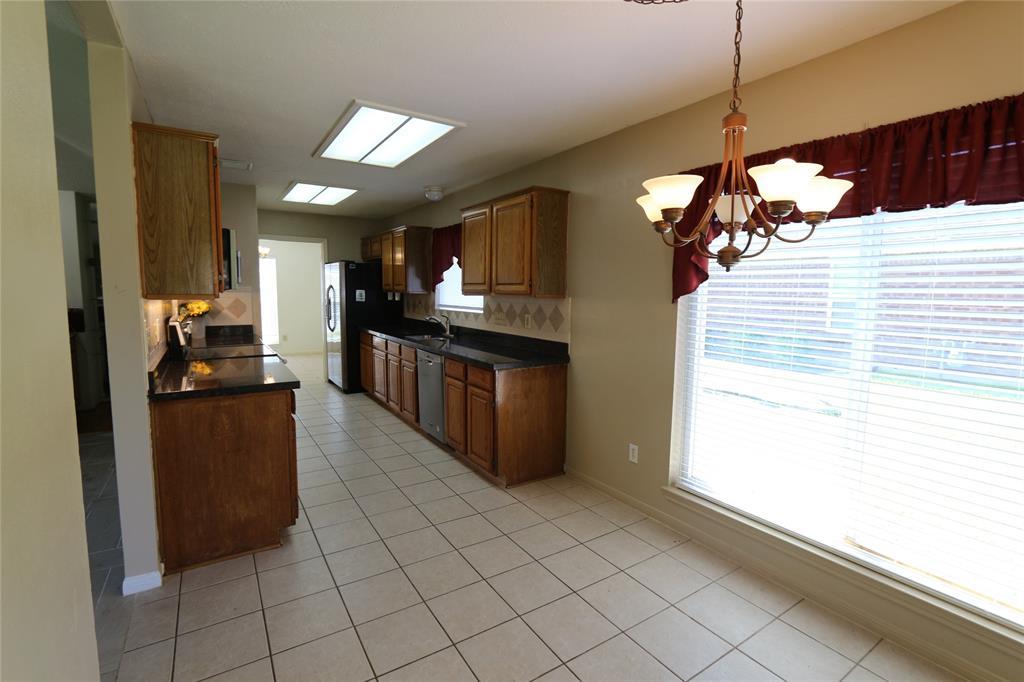 Pending | 3211 Cumberland Drive Missouri City, Texas 77459 10