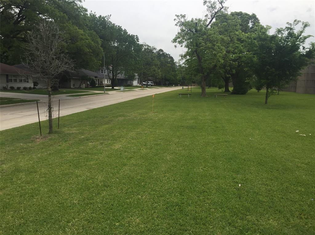 Off Market | 5306 Windswept Lane Houston, Texas 77056 4