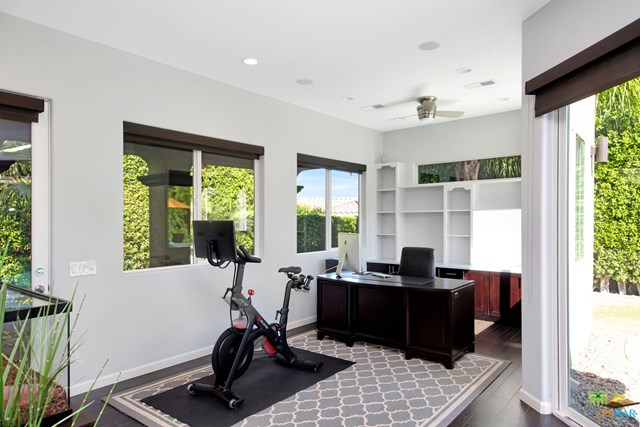 Closed   2160 N Hermosa Drive Palm Springs, CA 92262 37