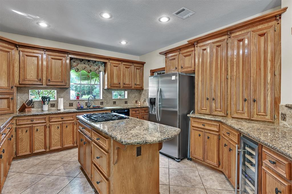 Active | 6 Raintree  Place The Woodlands, TX 77381 12