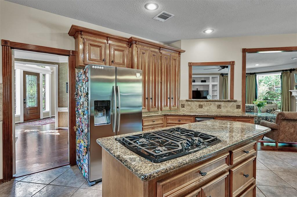 Active | 6 Raintree  Place The Woodlands, TX 77381 14