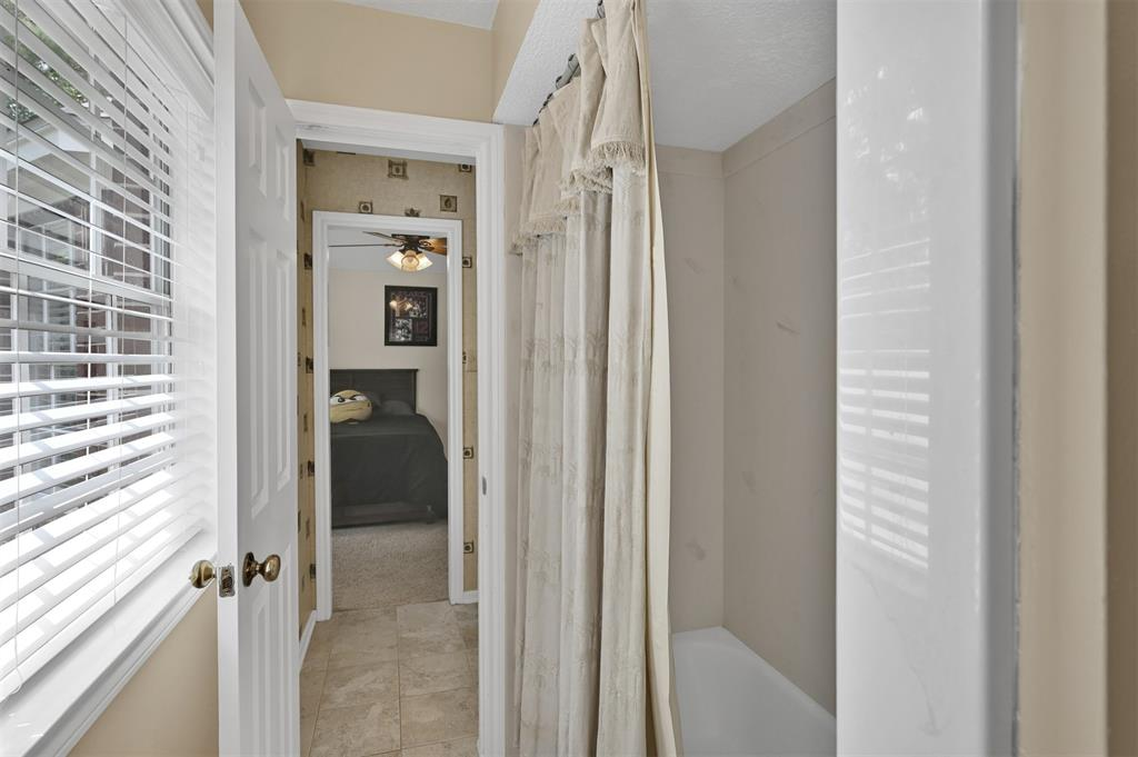 Active | 6 Raintree  Place The Woodlands, TX 77381 28