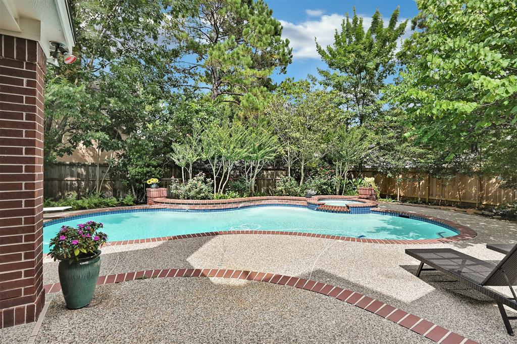 Active | 6 Raintree  Place The Woodlands, TX 77381 39