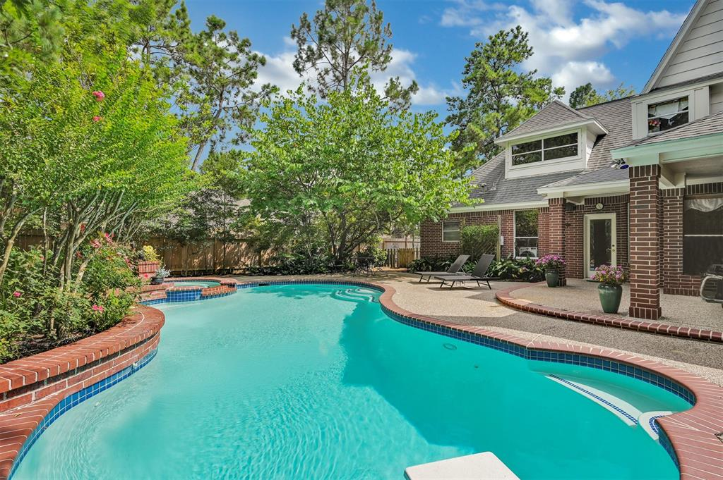 Active | 6 Raintree  Place The Woodlands, TX 77381 40