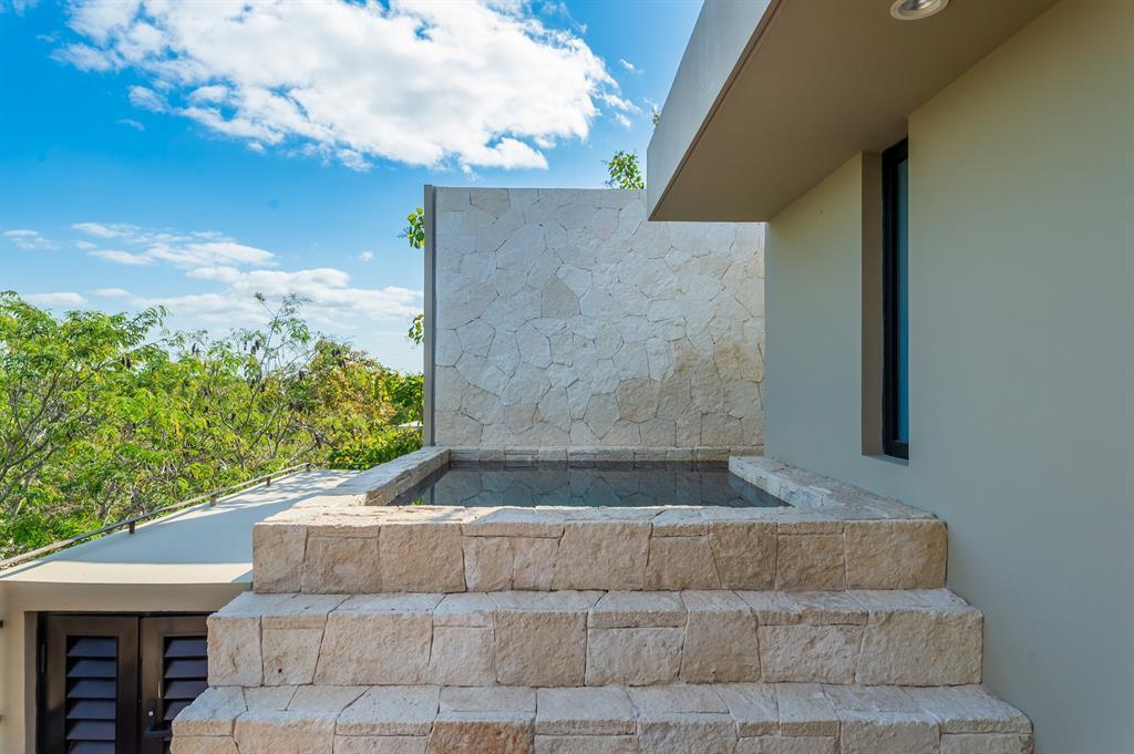 Active | 0 Nak Be S/N   #7401 Tulum Quintana Roo, Mexico 77765 6