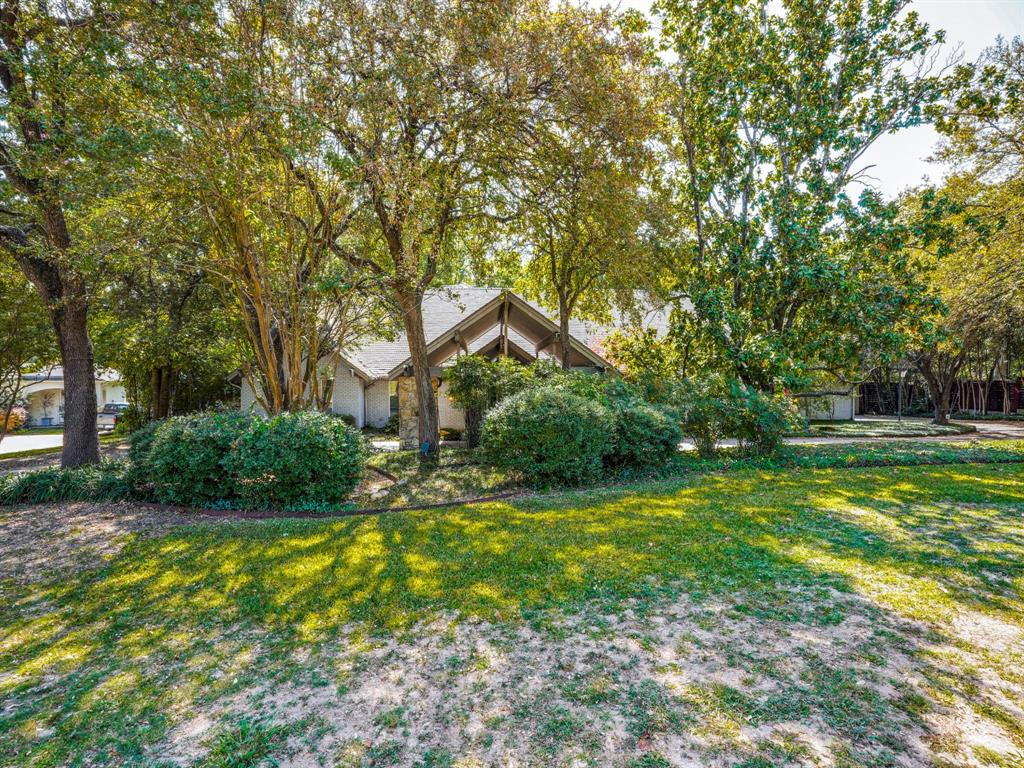 Sold Property | 7130 Alexander Drive Dallas, Texas 75214 2