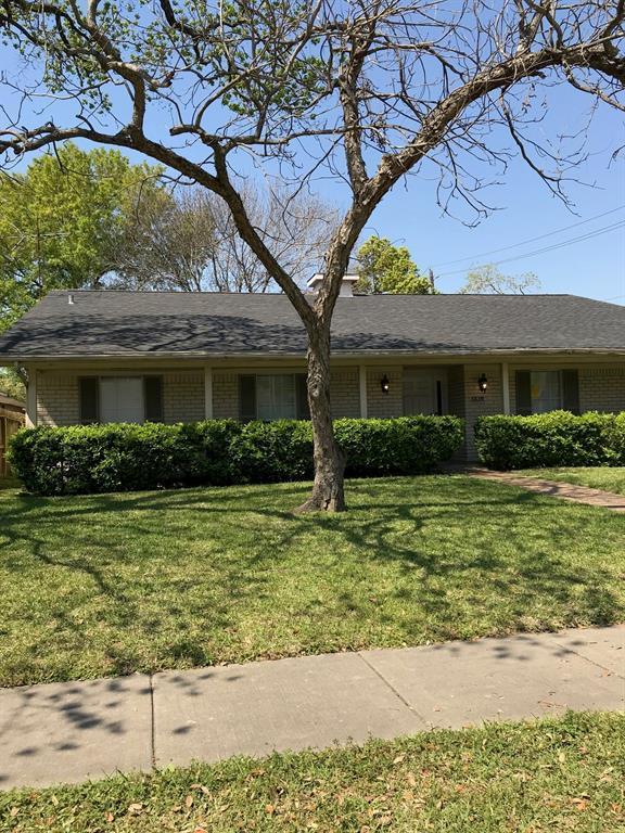 Off Market   3839 SUN VALLEY Drive Houston, Texas 77025 1