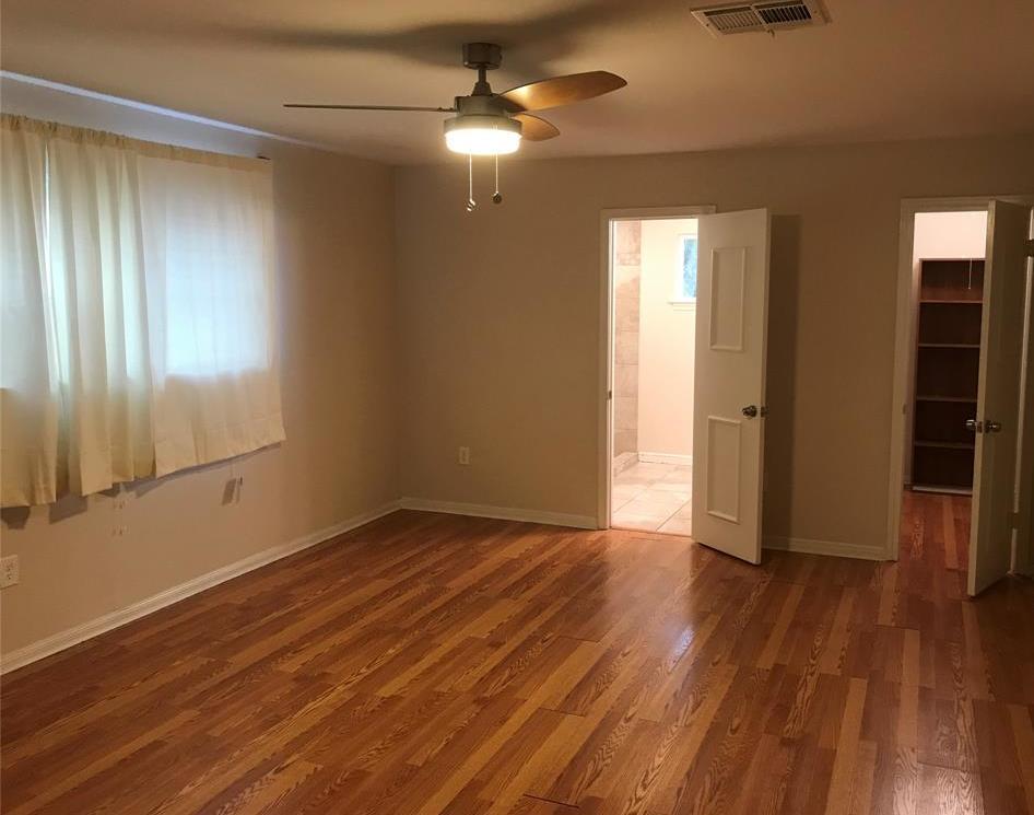 Off Market   3839 SUN VALLEY Drive Houston, Texas 77025 23