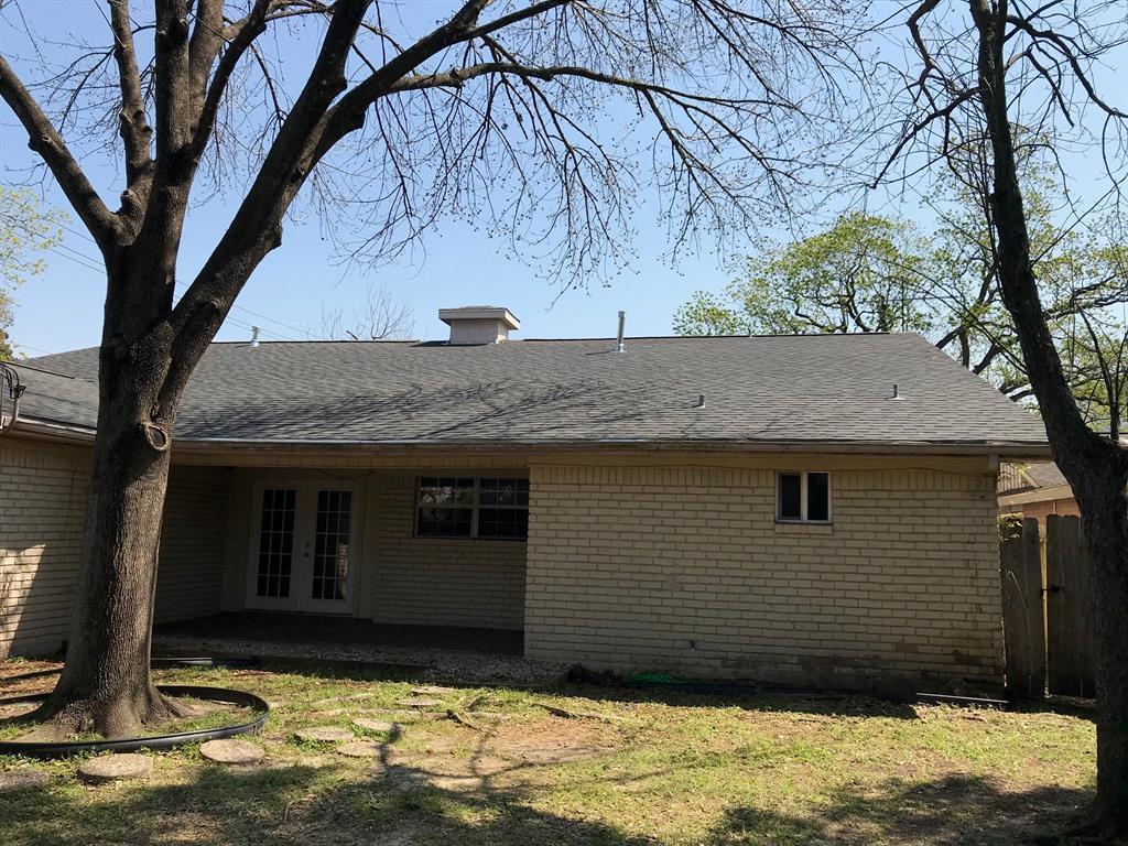 Off Market   3839 SUN VALLEY Drive Houston, Texas 77025 3