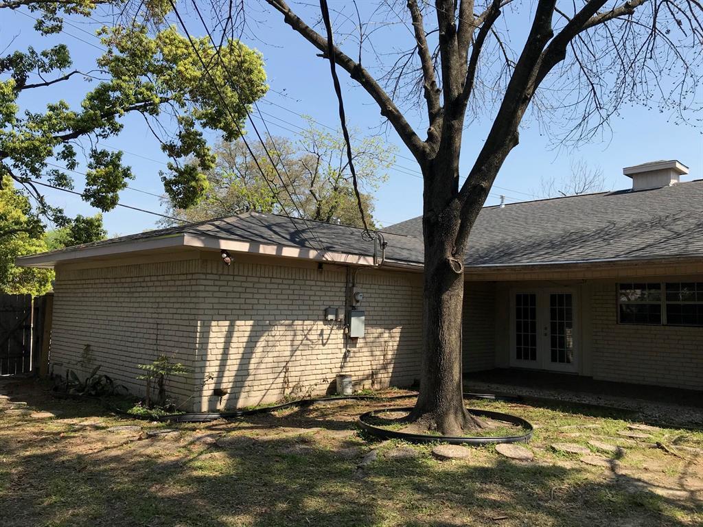 Off Market   3839 SUN VALLEY Drive Houston, Texas 77025 4