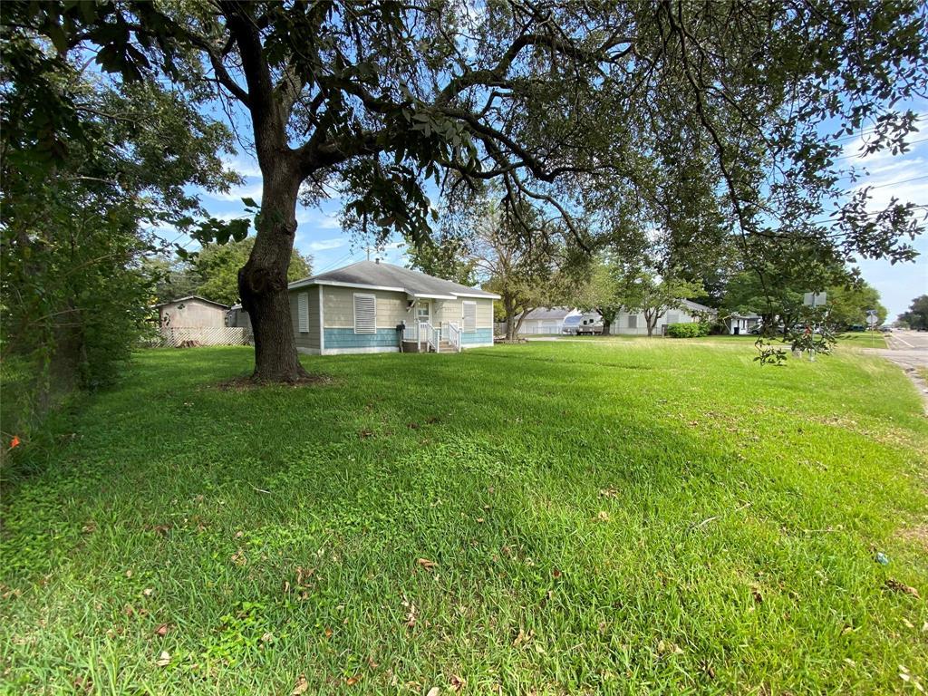 Active | 404 19th  Avenue Texas City, TX 77590 16